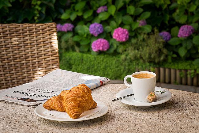 Un café au jardin de l'Hôtel Magellan - Paris 17