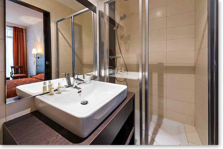 Sala da bagno camera Comfort Hotel Vivienne Opera Parigi